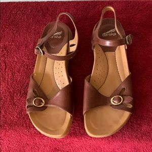 Dansko Sandals Size 38 Brown Leather Ankle Strap